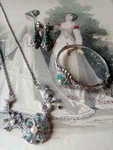 nyaklánc, karkötő, fülbevaló